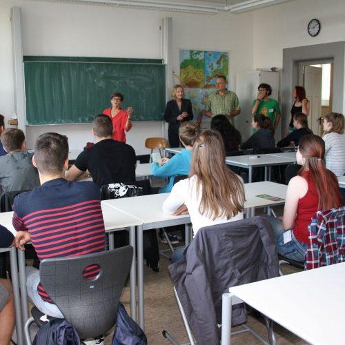 Jugendforum-Begruessung-Schulleitung-Lessing-Gymnasium